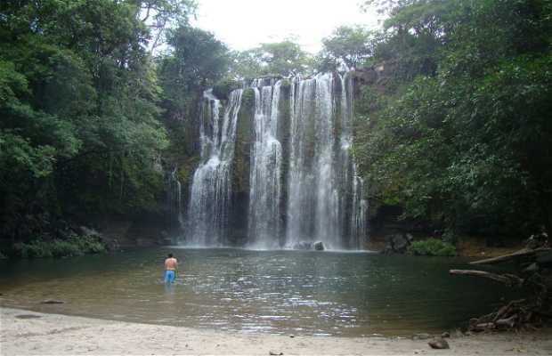 Llanos de Cortes Waterfall