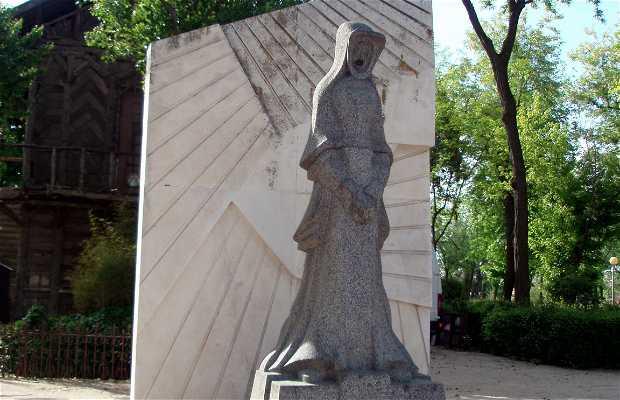 Escultura Mujer Toledana