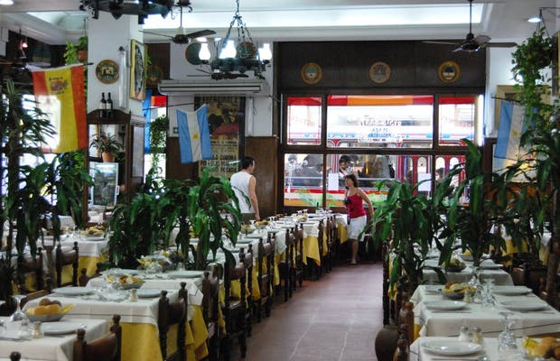 Restaurant plaza asturias