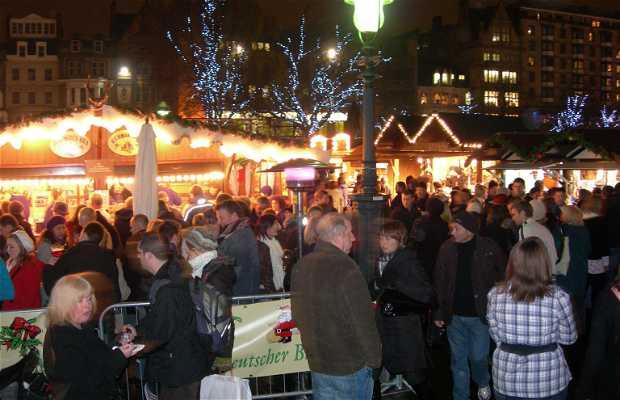 Mercado Navideño Tradicional en Edimburgo