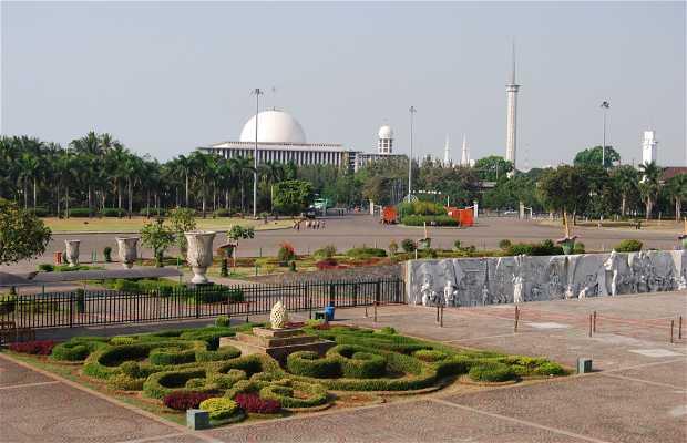 Monumento Nacional - Monas