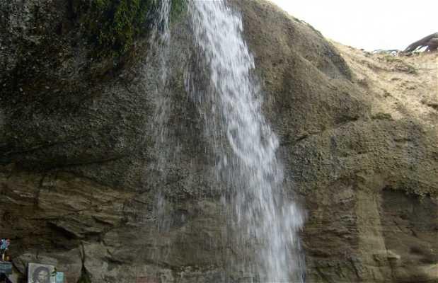 Cascata Virgen de Monserrat sul Río Verde