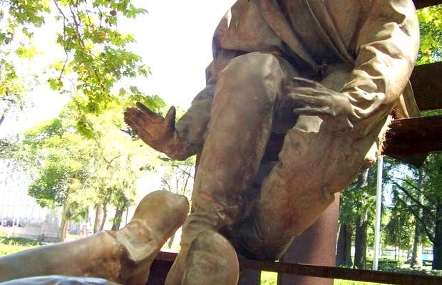 Sculptures To The Martyrs Of The Fatherland In Porto 1 Reviews And 4 Photos