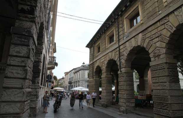 Via Pescheria