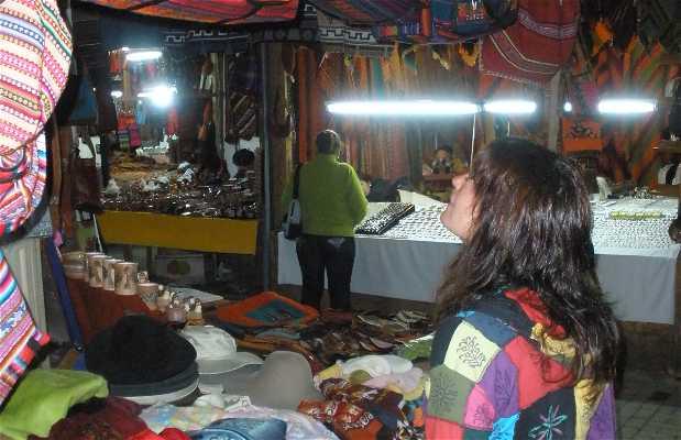 Aguas Calientes Handicraft Market