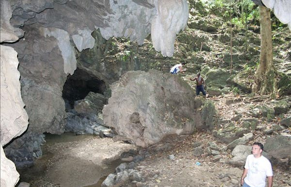 Alfredo Jhane caves