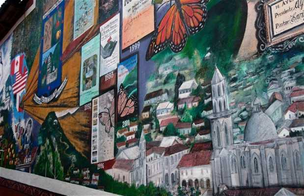 Mural con la historia de Angangueo