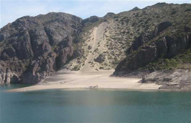 Playa Desconocida En Dique Valle Grande