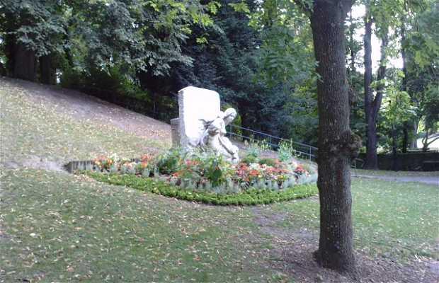 Statue de la mère