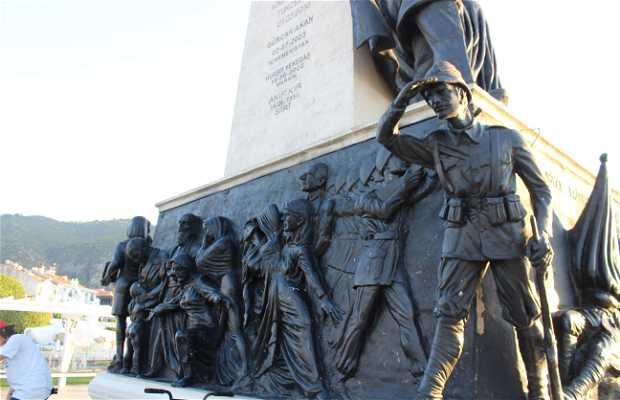 Obelisco en Memoria de la Guerra