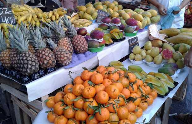 Feria Semanal de Frutas e Verduras