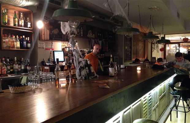 Charlotte, Coffee Gastrobar & Gin