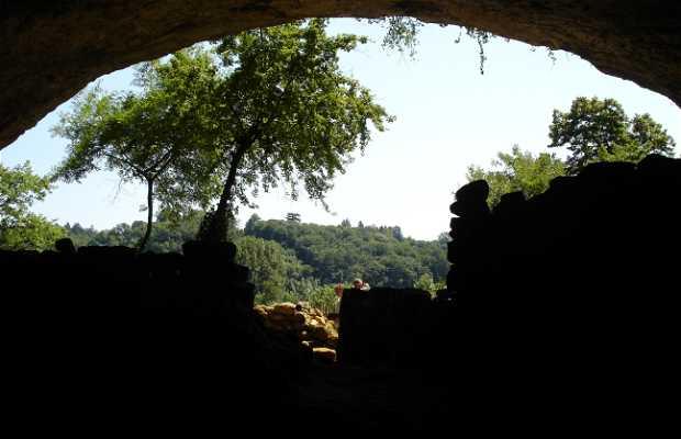 Troglodyte village La Madeleine