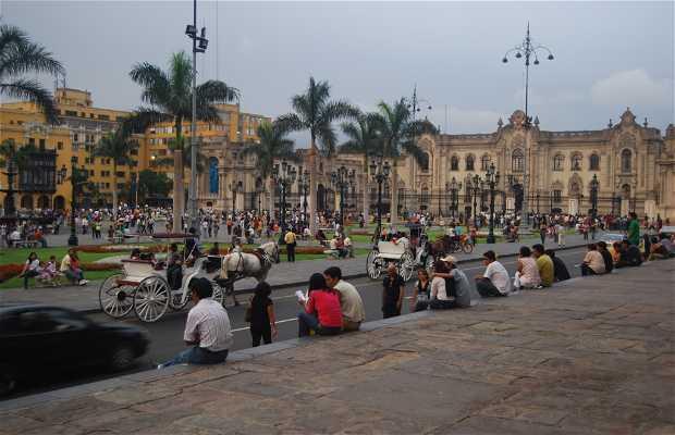 Plaza Mayor (Plaza de las Armas)