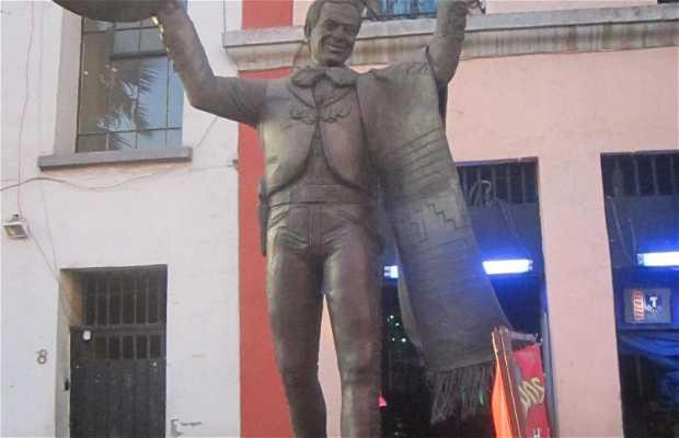 Estatua de Tomás Méndez Sosa