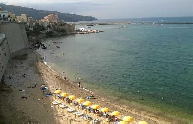 Spiaggia Petrolo