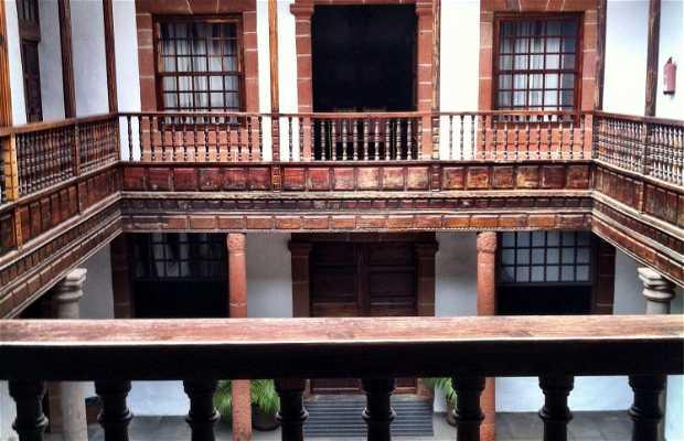 Palacio De Salazar