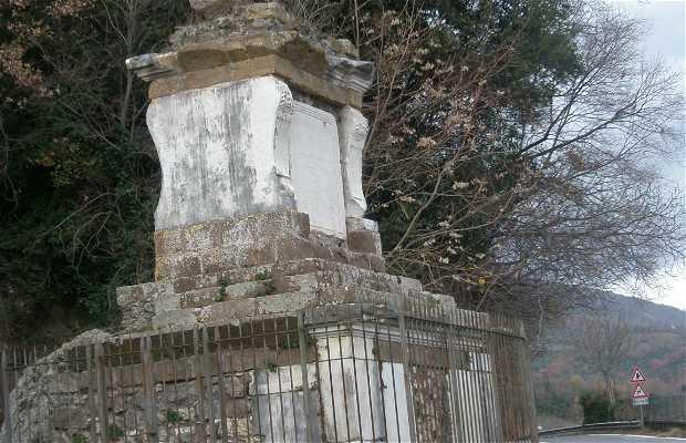 Monumento a Caio Menio Basso
