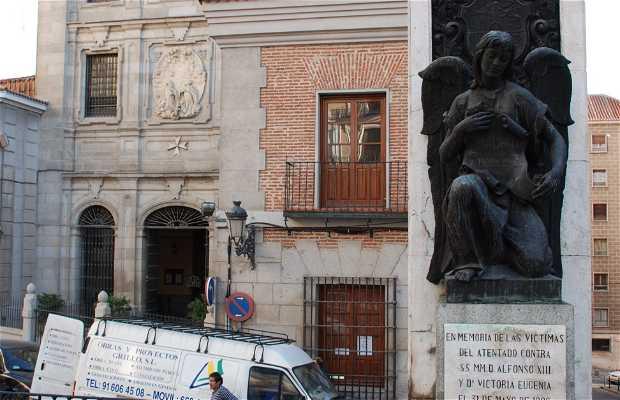 Monumento a víctimas atentado Alfonso XIII