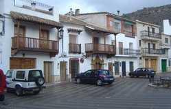Plaza Mayor Y Conjunto Urbano De Enguídanos