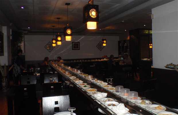 Cool Restaurante Japones Makoto En Barcelona 1 Opiniones Y 5 Fotos Home Interior And Landscaping Pimpapssignezvosmurscom