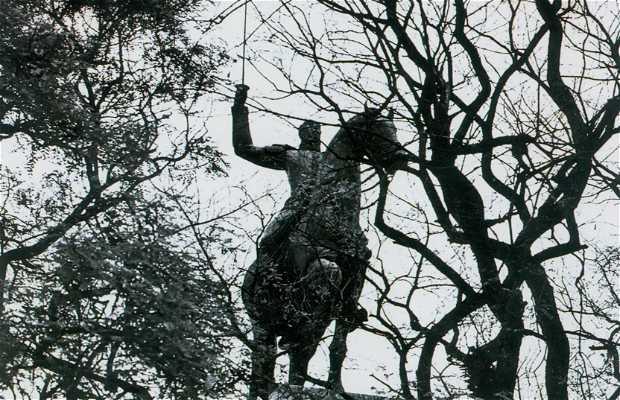 Monumento em homenagem a Duque de Caxias