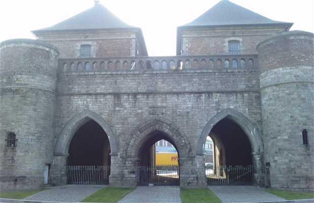 Valenciennes Door