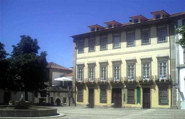 Plaza Largo Cónego José María Gomes
