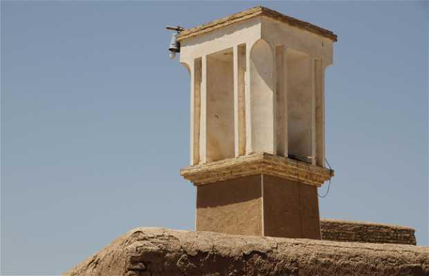 Ciudad subterránea y cisterna de Noushabad