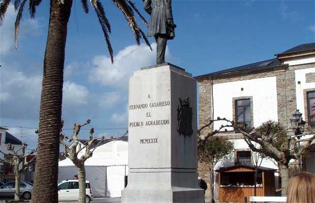 Monumento a Fernando Casariego
