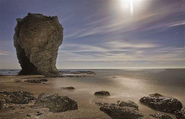 Spiaggia Castello di Macenas