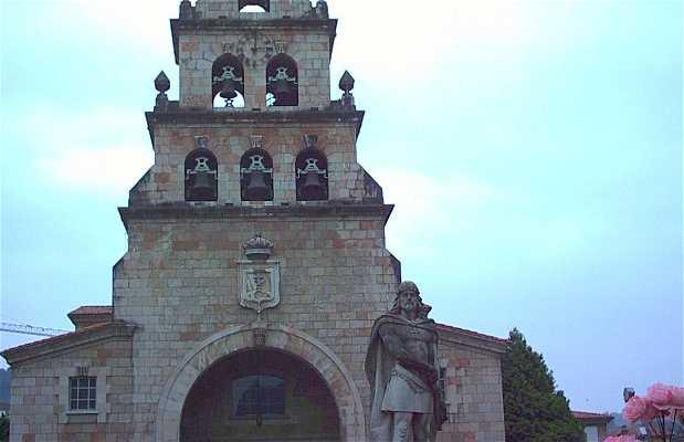 Estatua de Don Pelayo en Cangas de Onís