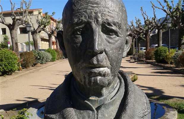 Busto del Padre Julio Piujula S.J.