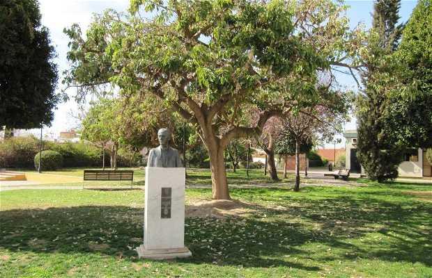 Monumento a Luis Cernuda