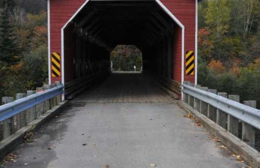 Puente cubierto de Sainte Marguerite du Lac Masson