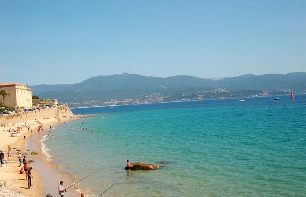 plage d 39 ajaccio ajaccio 2 exp riences et 12 photos. Black Bedroom Furniture Sets. Home Design Ideas