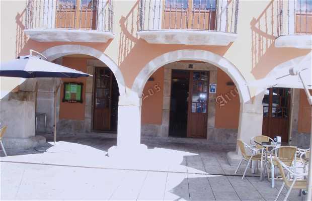 Taberna Los Arcos Restaurant