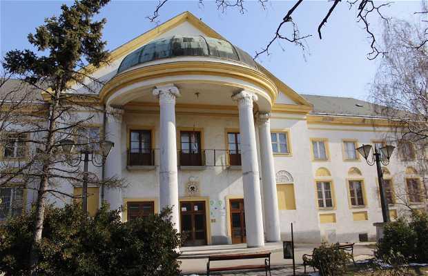Centro Cultural Jó Szerencset