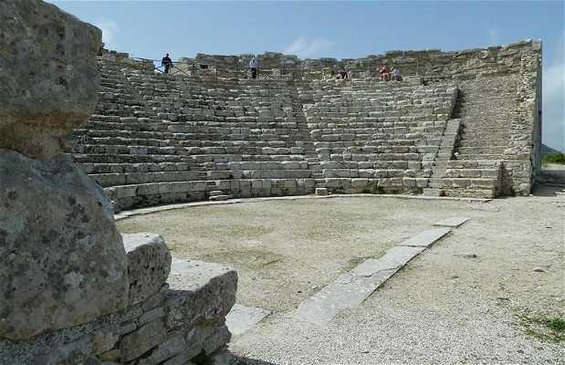 Città e teatro di Segesta
