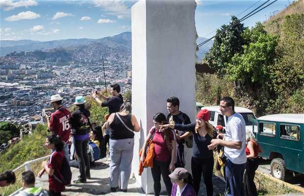 Mirador y Monumento a Bolívar y Martí