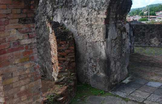 Ruinas de St Pierre