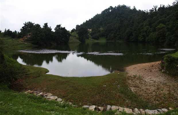 Lago de Deoriyatal