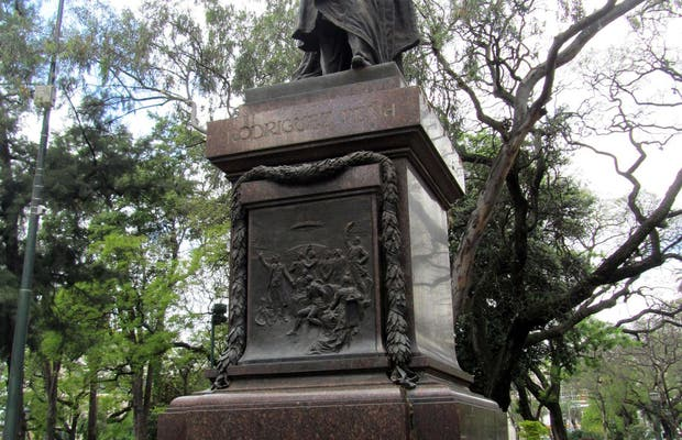 Monumento a Nicolás Rodríguez Peña