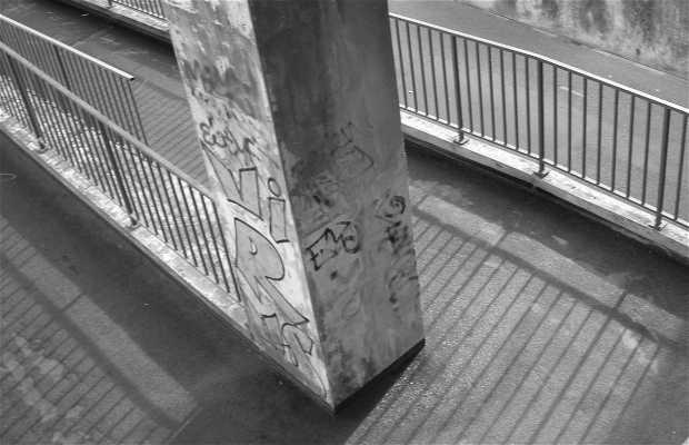 Ivry sur Seine old bridge