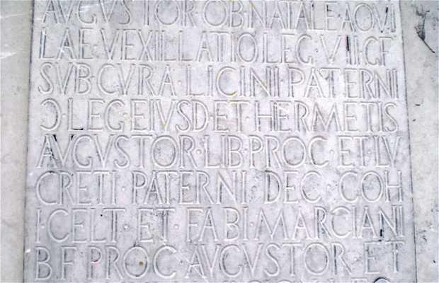 Columna Conmemorativa a la Legio VII