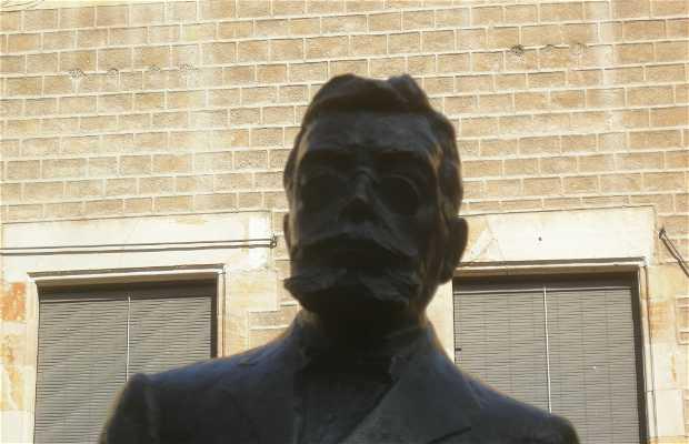 Monumento a Angel Guimerá