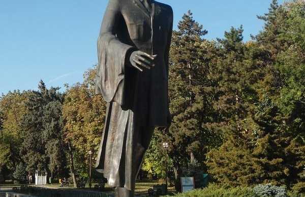 Estatua general de Gaulle