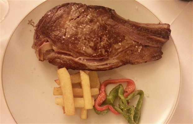 Parador de Gredos. Restaurante La Huerta del Rey