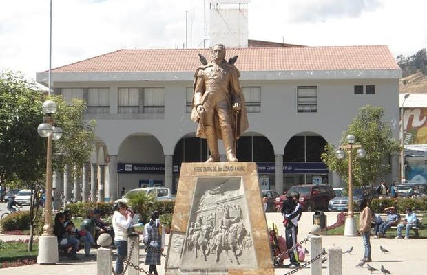 Statue of Luzuriaga