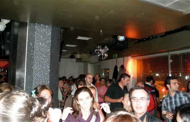 Pub Blow-Up (El Bar)